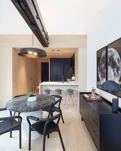 Cabin Residences is a minimalist house located in Toronto, Canada, designed by Mason.