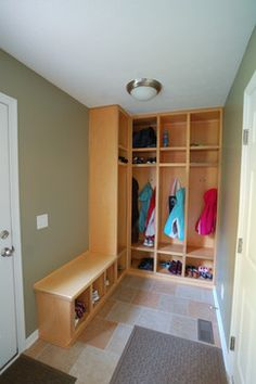 Mudroom Locker With Bench Design Ideas, Pictures, Remodel, and Decor - page 13