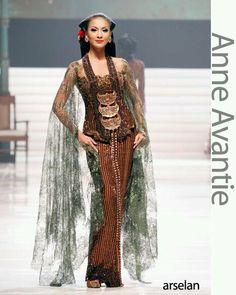 Anne Avantie kebaya ----- fashion photo reference for AoK
