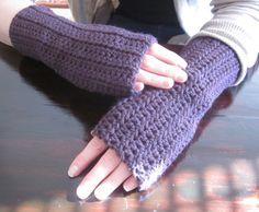 Crochet Fingerless Gloves free pattern.   Easy pattern