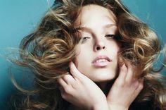 http://blog.travelbeauty.com/guide-to-healthy-beautiful-hair-all-season-long/