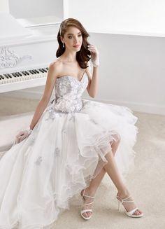07311ab977f8 SV40 Svadobné šaty Nicole Svadobný salón Valery Svadobné Odevy