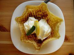 Tegnap a lidl-ben elcsábultam egy ostyakészítőgépre:))) Este gyorsan ki is próbáltam, de csak azzal a céllal, hogy működik-e. A gép tökélete... Lidl, Waffles, Breakfast, Food, Morning Coffee, Essen, Waffle, Meals, Yemek