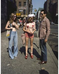 Jodie Foster and Robert De Niro on the set of Taxi Driver, 1976. Photograph by Steve Schapiro