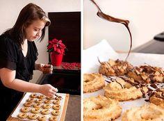 Česko peče s ProŽeny.cz: Roštinské cukroví - Proženy Holiday Cookies, Waffles, Cereal, Sweets, Cupcakes, Breakfast, Food, Decor, Eten