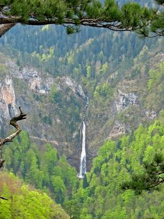Waterfall Skakavac Bosnian Food, Serbia And Montenegro, Travel Tours, Bosnia And Herzegovina, Macedonia, Slovenia, Rivers, Croatia, Tourism
