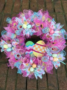 100 Dollar Store Easter Decorations that are simply Egg-cellent - Hike n Dip Make your Easter Decorations with dollar store items and save your hard-earned money. Here are 100 easy Dollar Store Easter Decorations that you'll LOVE. Wreath Crafts, Diy Wreath, Wreath Ideas, Diy Crafts, Holiday Wreaths, Holiday Crafts, Holiday Decor, Diy Easter Decorations, Easter Wreaths Diy