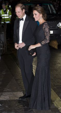 Pin for Later: 42 Times The Duke and Duchess of Cambridge Blew Us Away With Their Coordinated Style A Black Lace Dress to Match Prince William's Black-Tie Best Kate wearing Diane von Furstenberg. Princesa Kate Middleton, Kate Middleton Dress, Kate Middleton Prince William, Prince William And Catherine, Kate Middleton Style, Princesa Charlotte, Princesa Diana, Beauty And Fashion, Royal Fashion