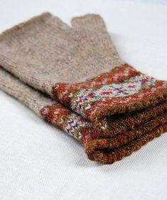 Knitting Patterns Ravelry Ravelry: Grey Fair Isle Mitts pattern by Helen Gray Designs Punto Fair Isle, Motif Fair Isle, Fair Isle Pattern, Fingerless Gloves Knitted, Knit Mittens, Knitting Socks, Hand Knitting, Knitting Machine, Vintage Knitting