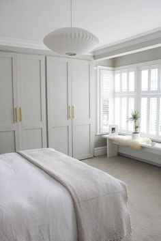 Quiet and fresh bedroom // neutral bedroom decor with built-in . - Quiet and fresh bedroom // neutral bedroom decor with built-in ins Quiet and fresh bedroom // neutr - Neutral Bedroom Decor, Neutral Bedrooms, Trendy Bedroom, Paint Colours For Bedrooms, Neutral Bathroom, Coastal Bedrooms, Room Colors, Bedroom Colour Schemes Neutral, Luxurious Bedrooms