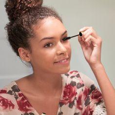 5 Easy Makeup Tricks to Make Your Eyes Look Huge