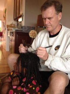 "This is one of the cutest things i have EVER SEEN!!!!! :) ""So for those of you who think tv can be glamorous, this is how i spent my morning, learning how to take out my daughter's braids. It takes a long time and a lot of patience!"""