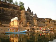 12 of the Best Places to Visit in India Off the Beaten Track: Instead of Varanasi: Maheshwar in  Madhya Pradesh