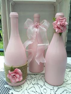 Pink wine bottles with Twine and pink ombré roses by TwinenWineCreations on Etsy Wine Bottle Art, Painted Wine Bottles, Diy Bottle, Wine Bottle Crafts, Jar Crafts, Vodka Bottle, Wine Painting, Bottle Painting, Wrapped Wine Bottles