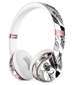 Vector Black and White Feathers Full-Body Skin Kit for the Beats by Dre Solo 3 Wireless Headphones aka dope Cute Headphones, Bluetooth Headphones, Beats By Dre, Accessoires Iphone, Fashionable Snow Boots, Tech Accessories, Headset, Gadgets, White Feathers