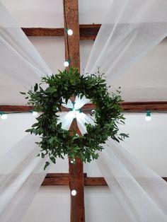 Couronne que de feuillages Christmas Wreaths, Holiday Decor, Home Decor, Decoration Home, Room Decor, Home Interior Design, Home Decoration, Interior Design