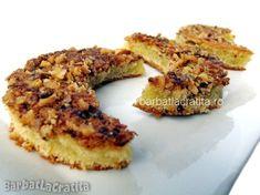 Prajitura Semiluna - mici prajiturele cu nuca decupate cu paharul.