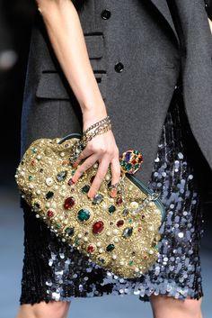 DAIKIRI DE LIMON Luxury Bags, Luxury Handbags, Purses And Handbags, Handbag Accessories, Fashion Accessories, Trend Accessories, Fashion Bags, Fashion Show, Style Fashion