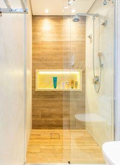 Small Bathroom Interior, Bathroom Windows, Dream Bathrooms, Amazing Bathrooms, Best Bathroom Designs, Casa Real, Bathroom Pictures, Small Places, My Room