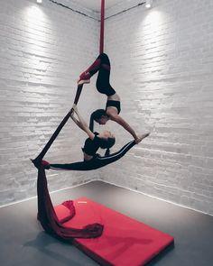 Dance Tips, Dance Poses, Art Poses, Yoga Poses, Aerial Acrobatics, Aerial Dance, Aerial Silks, Aerial Hammock, Aerial Hoop