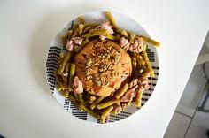Sur le blog, je vous propose de varier avec un bowlcake salé au thon et à la tomate :)