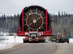 large cylinder tank being transported through Montana to oil sands project in Canada Kenworth Trucks, Peterbilt, Heavy Truck, Big Trucks, Show Trucks, Heavy Equipment, Mining Equipment, Monster Trucks, Heavy Machinery