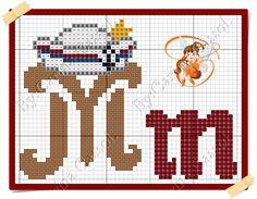 Boa sexta-feira!  Hoje o Mickey resolveu navegar por essas bandas    Aqui o gráfico     E aqui o monograma da minha fadinha amiga Carina ... Cross Stitch Alphabet, Cross Stitch Patterns, Letras Do Mickey, Graph Paper Art, Geronimo, Perler Beads, Diy And Crafts, Embroidery, Disney