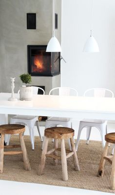 Rustic interiors have a natural cozy ambiance to them. Design Build Ideas wants to inspire you today with 20 great examples of cozy rustic inspired interiors. Dining Stools, Dining Area, Dining Table, Wooden Stools, Dining Room, Rustic Stools, Farmhouse Stools, Kitchen Dining, Deco Design