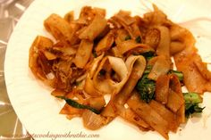 Pad Siew and a Thai Cooking Class at Taste Culinary Boutique! by whatscookingwithruthie.com #recipes #thai #vegitarian