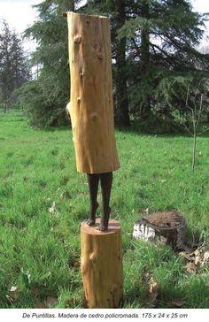 De puntillas. Madera de cedro policromada. 175 x 24 x 25 cm