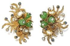 @Frank_Hess vintage earrings for @Miriam_Haskell. Look at how the stampings are assembled under the beads. Long how to on techniques at http://www.dianefitzgerald.com/Articles/069%20Miriam%20Haskell.pdf