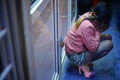 Bilet de voie de la stat: din orfelinat direct în garsoniera traficantului   DELA0.RO