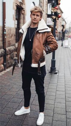 Dope Outfits Visit Urbanmenoutfits Com For More Similar Content Urbanmenoutfits Winter Outfits Men, Fall Outfits, Shearling Jacke, Stylish Men, Men Casual, Casual Wear, Look Man, Dope Outfits, Casual Outfits