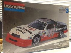 Monogram Darrell Waltrip Western Auto #17 Lumina NASCAR 1/24th Model Kit 1991 #Monogram