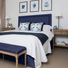 Hamptons Style Bedrooms, Hamptons Style Decor, Navy Bedrooms, Guest Bedrooms, Bedding Master Bedroom, Home Decor Bedroom, Costal Bedroom, Navy Home Decor, Bedroom Ideas
