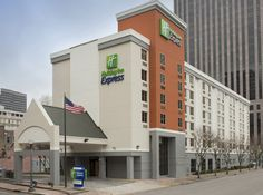 Holiday Inn Express New Orleans Downtown - Hotels.com - Hotel rooms with reviews. Discounts and Deals on 85,000 hotels worldwide