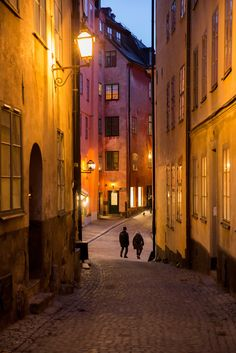It's Stockholm - the alleys leading to Köpmantorget (Merchant's Square) in Gamla Stan Places Around The World, Around The Worlds, Gothenburg, Nice Place, Stockholm Sweden, Old City, Cigars, Finland, Denmark