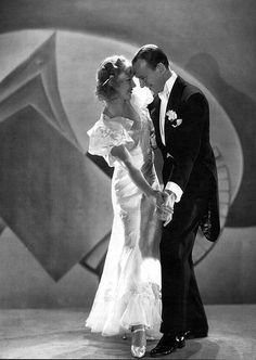 Art Ginger Rogers and Fred Astaire. old-hollywood-dames Old Hollywood Glamour, Golden Age Of Hollywood, Vintage Hollywood, Hollywood Stars, Classic Hollywood, Hollywood Couples, Celebrity Couples, Fred Astaire, Ginger Rogers
