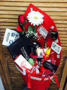 Maquillaje, Rosas, detalles.