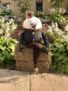 Humpty Dumpty Scarecrow for a community contest