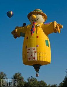 Mr. Scarecrow hot air balloon, posted via acidcow.com
