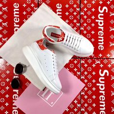 The best collection of LUIS VUITTON shoes to wear in all kinds of events. Modern designs for men, women and children. Luis Vuitton Shoes, Zapatos Louis Vuitton, Adidas Stan Smith, Modern Design, Adidas Sneakers, Events, Children, How To Wear, Collection