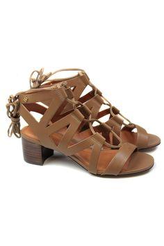 Sandália de couro multistraps – LILLY ref 181269    Sandália com multi tiras, em couro legítimo e amarração no tornozelo.    Salto: 5cm de altura