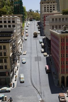 The hilly streets of San Fransisco at LEGOLAND California Miniland