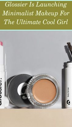 In a sea of many makeup layers, lies a crop of Instagram appeals who have actually nailed the really complicated art of minimalist makeup. Concepts on... Minimalist Desk, Minimalist Makeup, Minimalist Home Decor, Small Makeup Bag, Desk Setup, Tinted Moisturizer, Glossier, Girls Makeup, Skin Care Regimen