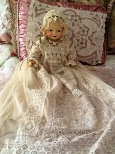 Love antique doll,w lace!! <3