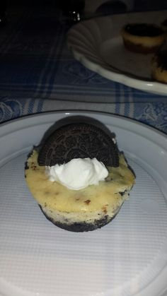 Mini oreo cheesecakes! #yummy #oreo #cheesecake #cookies #cream #homemade