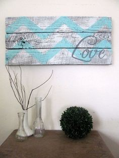 Rustic wood hand painted chevron style decor-I could make that. - Easy Diy Home Decor Pallet Crafts, Pallet Ideas, Diy Pallet, Pallet Wood, Crafts To Do, Home Crafts, Diy Crafts, Pinturas Chevron, Home Goods Decor