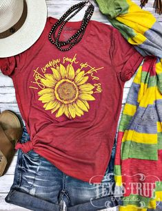 Oldlover-Women Sunflower Funny Graphic Dog Mom Shirts Tops Short Sleeve Round Neck Summer Casual T Shirt Blouses Tees, Vinyl Shirts, Tee Shirts, Cute T Shirts, Shirt Blouses, Sunflower Shirt, Yellow Sunflower, Sunflower Clothing, Red Sunflowers, Tumble N Dry