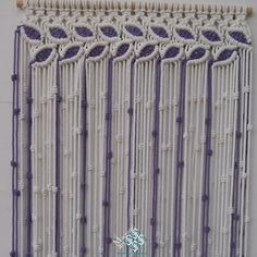 Cortina macramé modelo hojas color blanco y lila